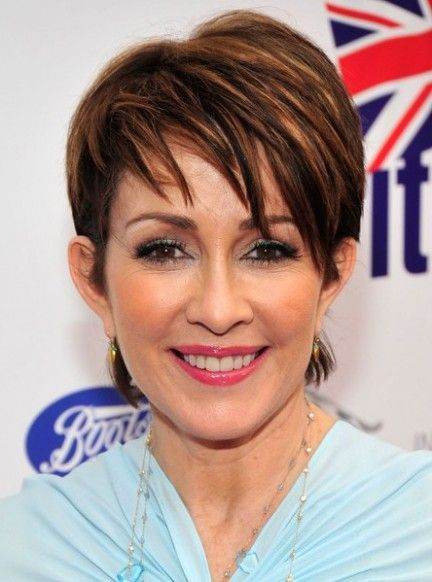 Patricia Heaton Brunette Trendy Short Layered Hairstyle Trendy Short Hair Styles Short Hair Styles Short Natural Curly Hair