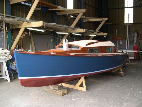 B louga superbe couleur de coque boats i would like to for Peinture interieur bateau