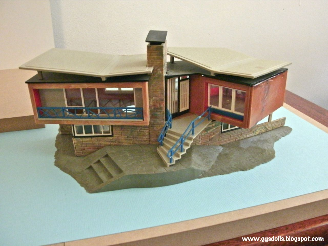 Mid Century Modern Houses dolls and houses Pinterest