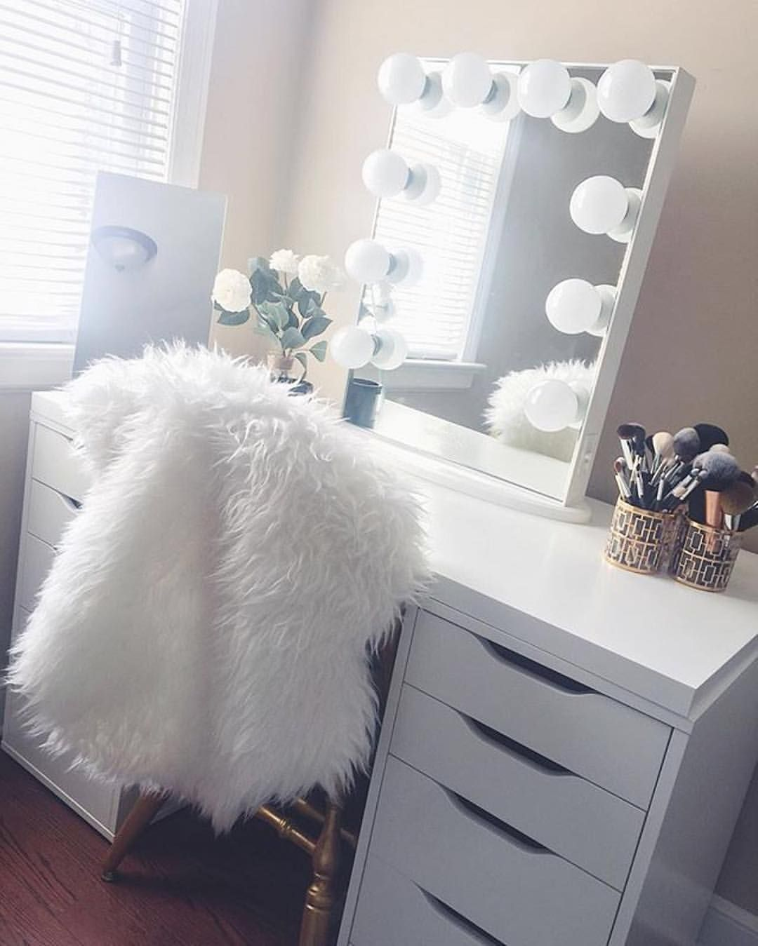 "3,687 Likes, 20 Comments - Impressions Vanity Co. (@impressionsvanity) on Instagram: ""Where all the magic happens ✨ ⠀  @byalyssaa featuring our #impressionsvanityglowxl"""