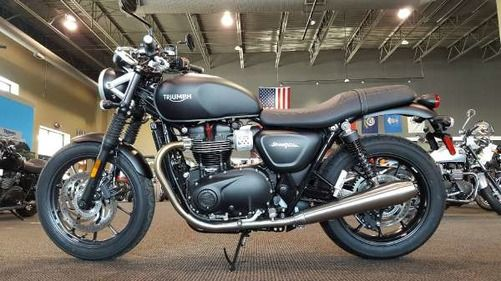triumph bonneville street twin 900 matt black bikes. Black Bedroom Furniture Sets. Home Design Ideas