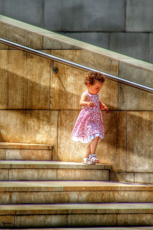 The Girl & the boy at the Guggenheim Museum of Bilbao by Donibane Cannon 650 D Octubre 2014 | City of Bilbao #portrait #retrato #kid #guggenheim #bilbao #donibane