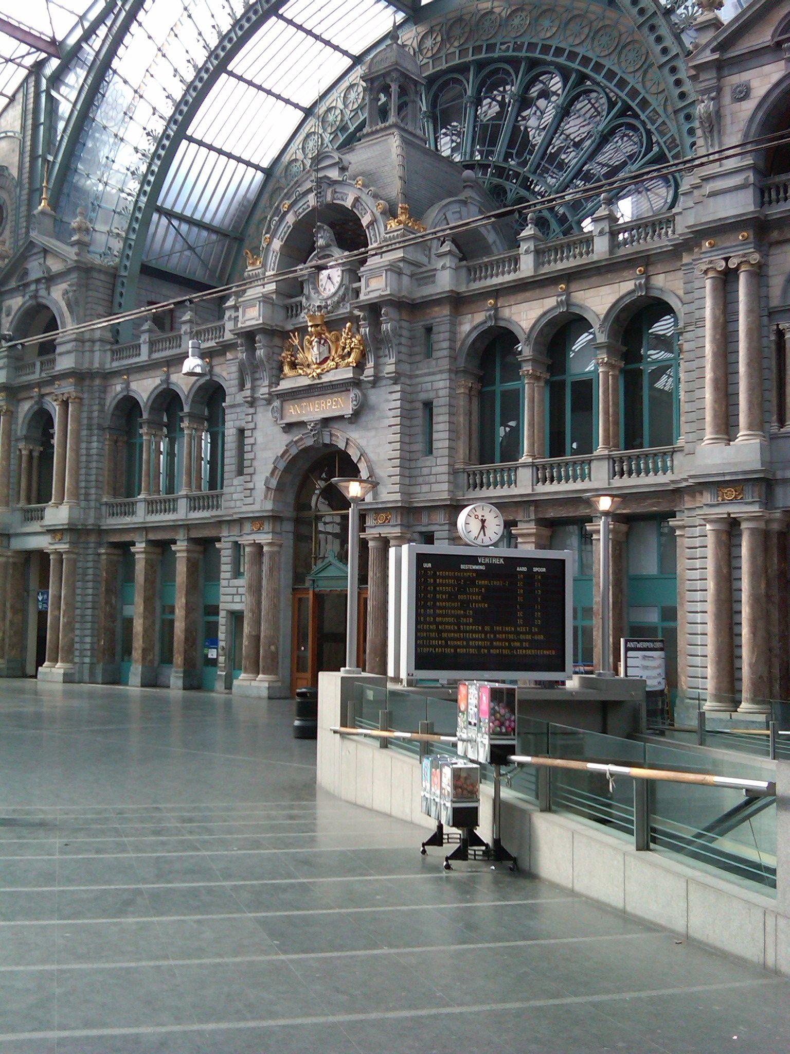 Antwerpen Central Train Station.  Antwerpen, Belgium