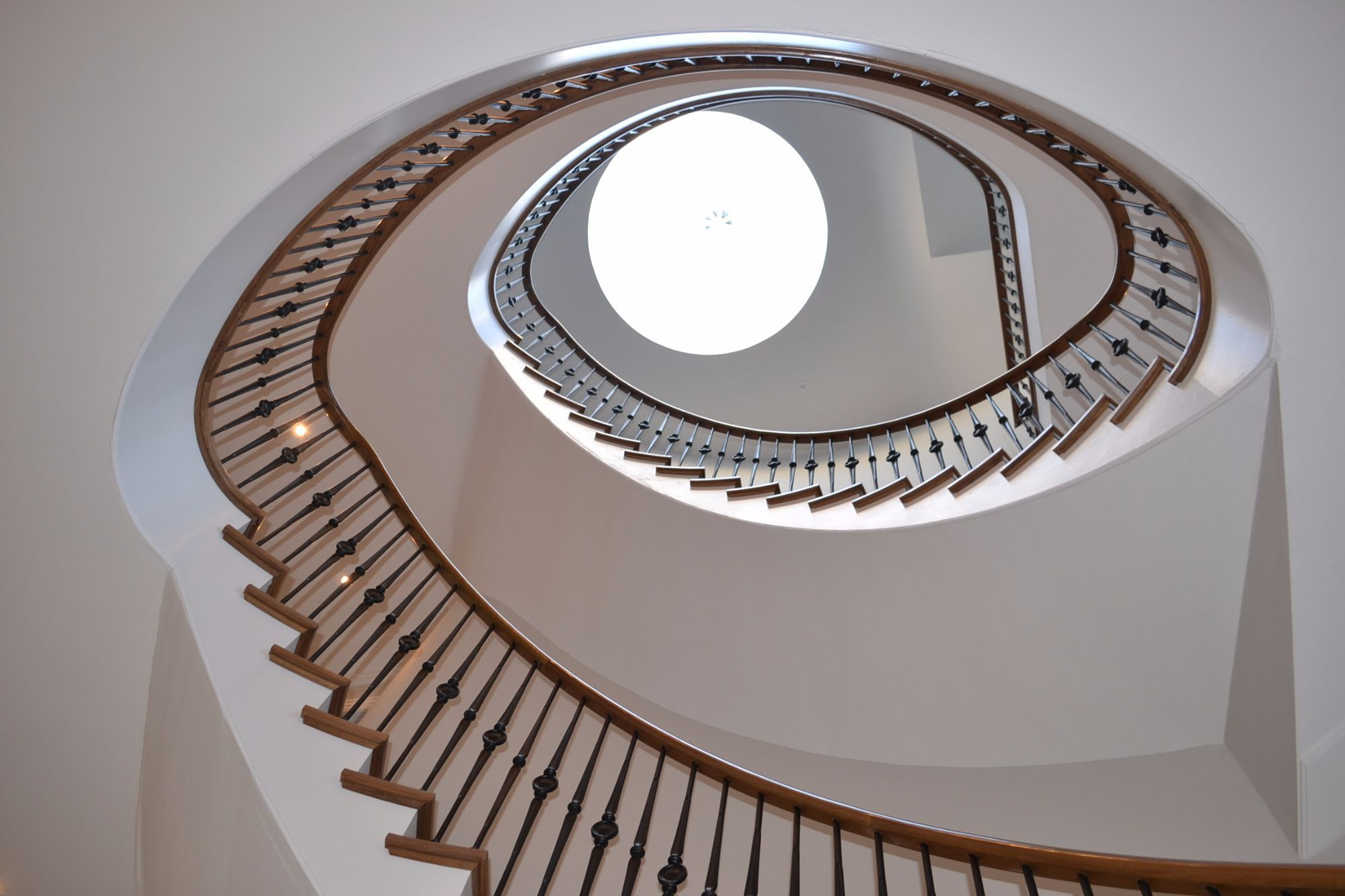 Best Bespoke Timber Handrails Staircases Curved Handrails 400 x 300