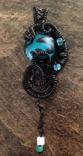 Lu Mae Jewelry Designs: Blue Glass Bead Wire Wrapped Pendent