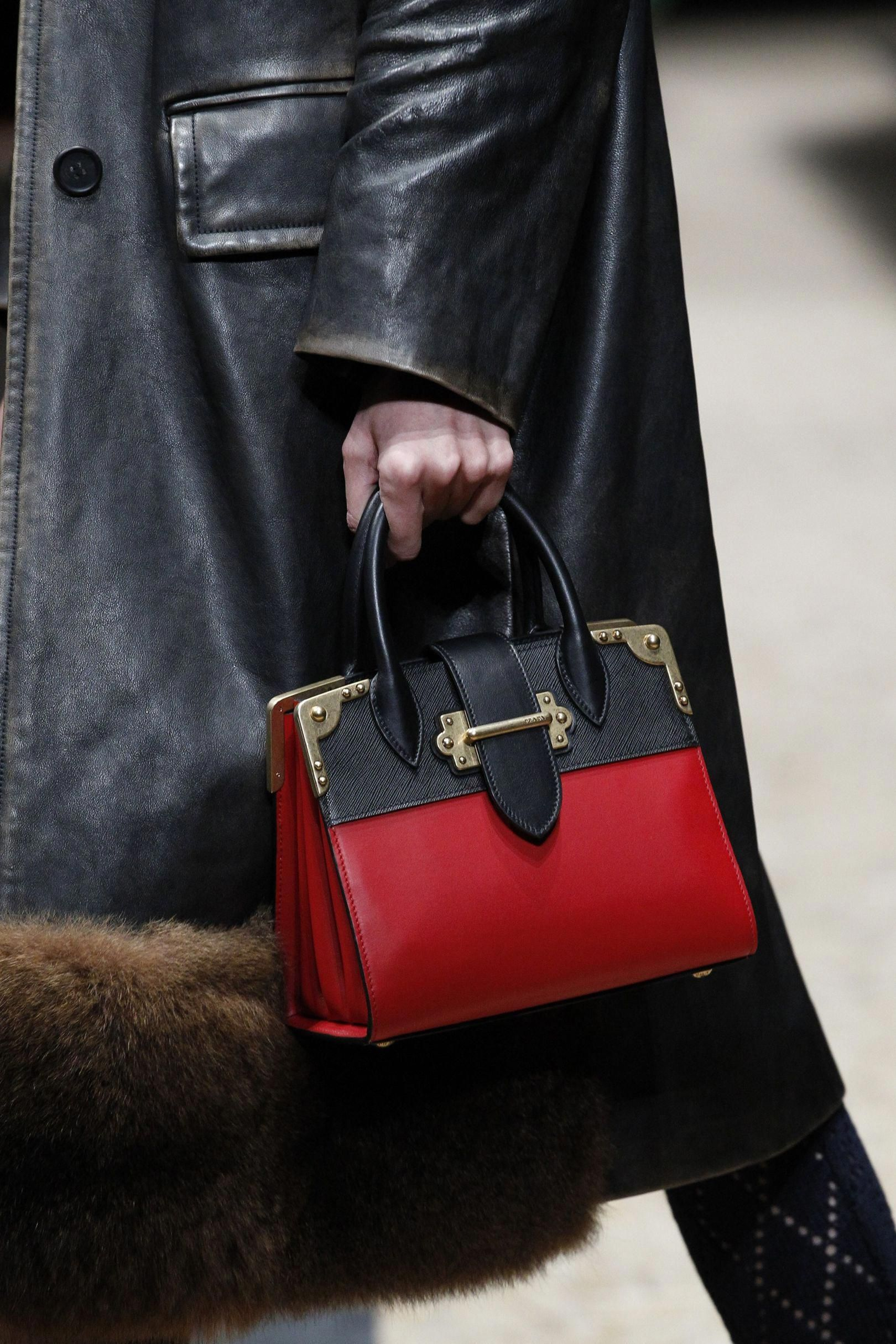 b3cfbb583092 Vogue s Ultimate Autumn Winter 2016-17 Bags Trend Guide