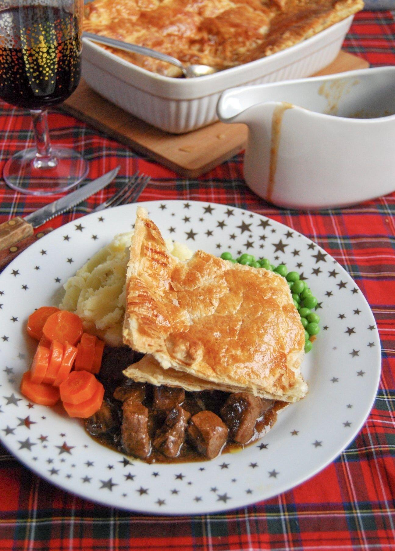 Scottish Steak Pie (With images)   Steak pie, Scottish ...