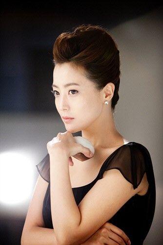 Faith Kim Hee Sun I Want To Become An Actress Not A Star Kim Hee Sun Korean Beauty Asian Beauty