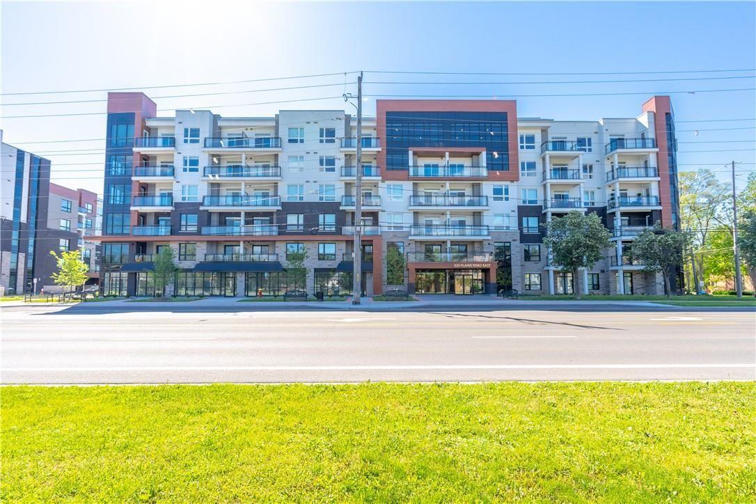 306 320 Plains Road E Burlington Ontario L7t0c1 In 2020 Rooftop Patio How To Level Ground Burlington
