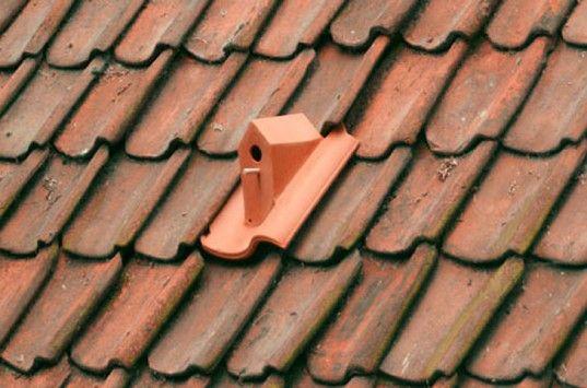 Casinha de passarinho de telhado