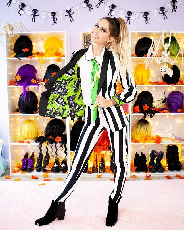 beetlejuice beetlejuice beetle——— @alexapoletti just posted a video of us styling spooky work appropriate outfits bccccc halloween is 19… #spookyoutfits beetlejuice beetlejuice beetle——— @alexapoletti just posted a video of us styling spooky work appropriate outfits bccccc halloween is 19… #spookyoutfits