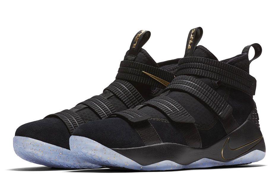Nike LeBron Soldier 11 Noires Or Chaussures Nike Release 2017 Pour  Homme-Jordan Officiel Site,Boutique Air Jordan 2017!Accept Paypal!