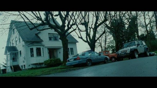 Twilight Bella Swan S House Is For Sale In Oregon Hooked On Houses Twilight Pictures Twilight Twilight Zone