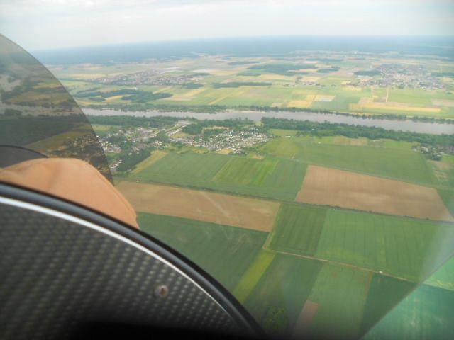 A peine décollés, on aperçoit la Loire