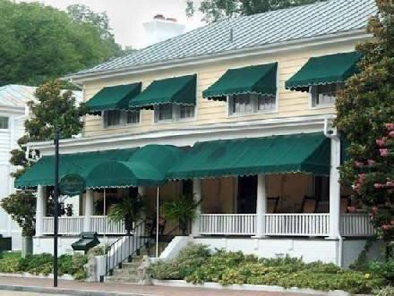 The Smithfield Inn Offers Comfort And Convenience Whether You Re On Business Or Holiday In Va Hotel A High Standard Of Service