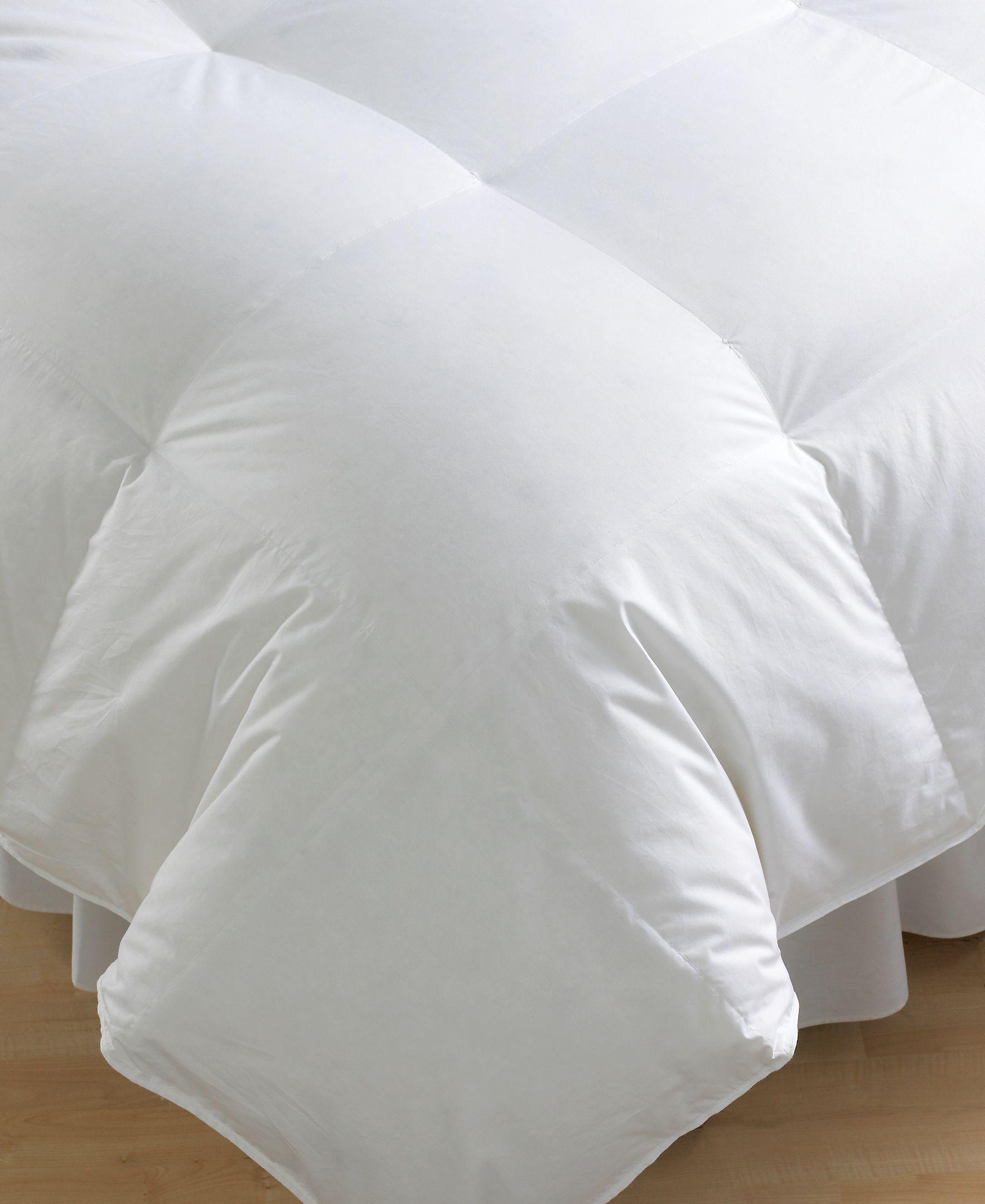 Calvin Klein Bedding Luxe 300 Thread Count King Down Comforter