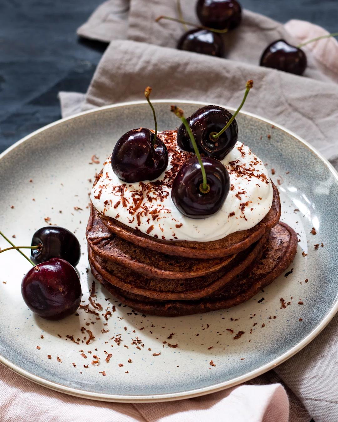 Schwarzwälder Kirsch-Pancakes ohne Ei