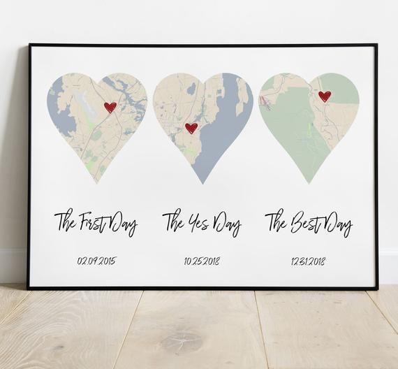 Auf der Suche nach eine der ersten Tag, der ja Tag, der beste Tag ersten Jahrestagsgeschenk geben, Ihr Mann oder Frau? Was ist mit einer Herz-Karte zu helfen, alle wichtigen Termine in Ihrer Beziehung erinnern? Einfach bestellen, und sie lieben diese Nostalgie-Druck markieren die großen Daten in