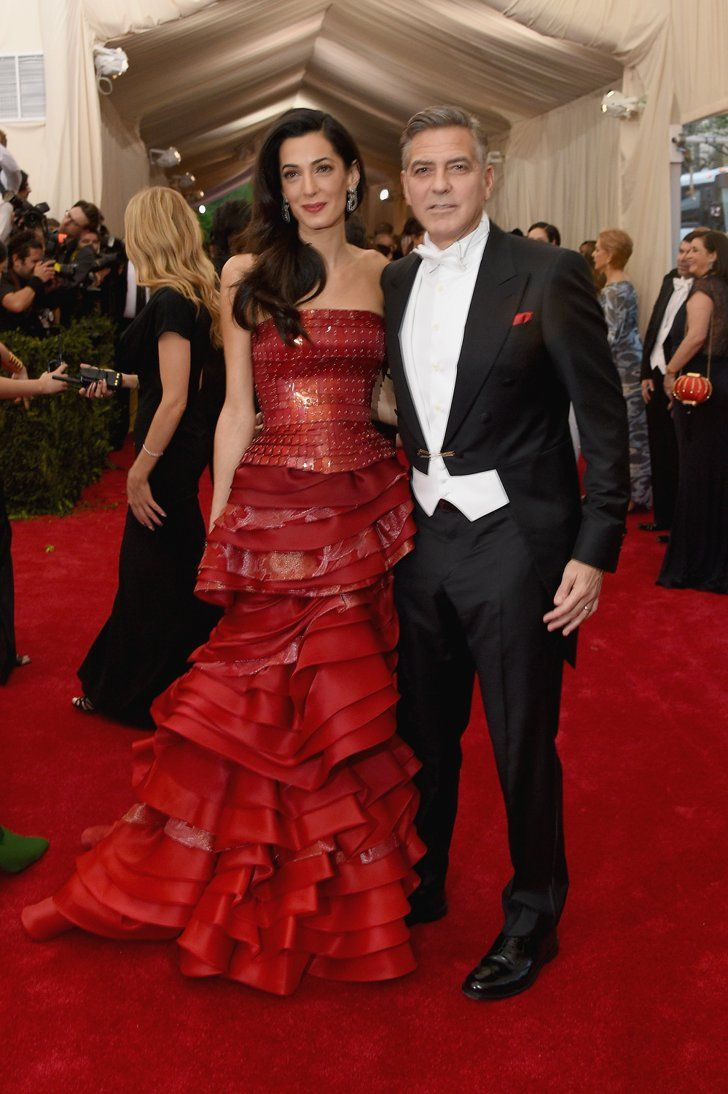 Amal And George Clooney Make The Perfect Pair At The Met Gala Coole Kleider Galakleider Amal Clooney