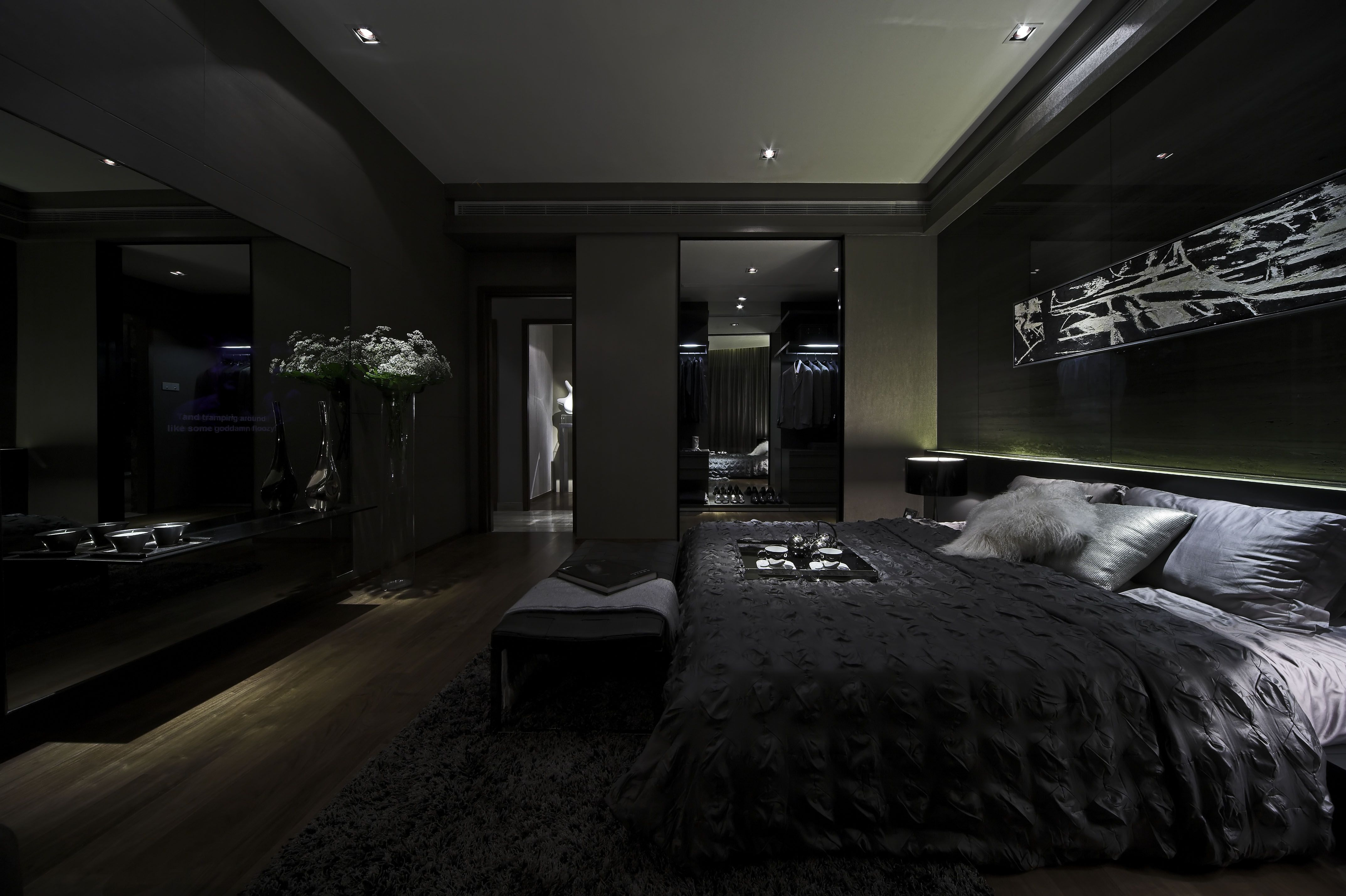 Pin By Sela 4444 On Steve Leung Luxurious Bedrooms Black Bedroom Design Luxury Bedroom Master