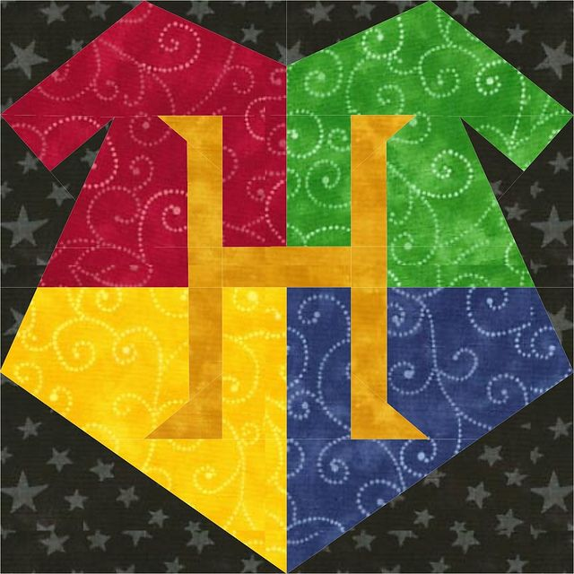 Updated Hogwarts Crest 2012 by Jennifer Ofenstein (sewhooked.com), via Flickr  INSANELY large collection of quilt block patterns for all things Harry Potter. There really is a pattern for everything you can imagine.