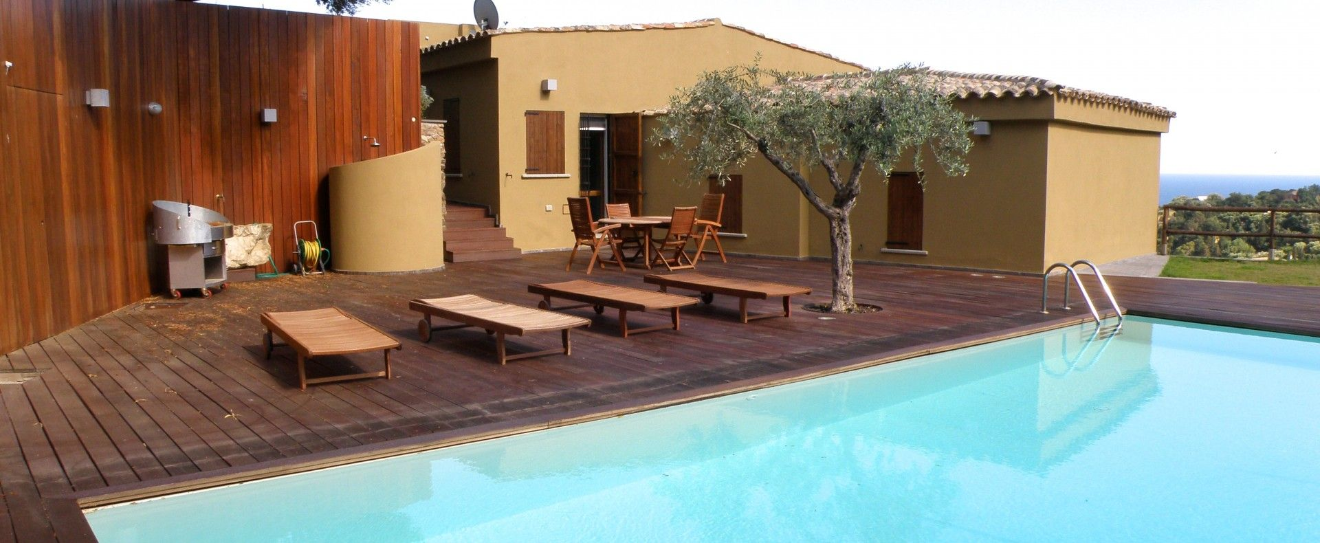 Panoramic villa with pool to rent in Sardinia with ...