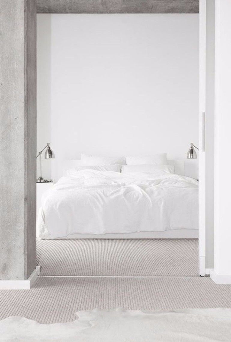 Minimalistic white bedroom design | www.masterbedroomideas.eu #designideas #decorationideas #luxuryfurniture #whitebedroom #whitemasterbedroom #nightstandsideas