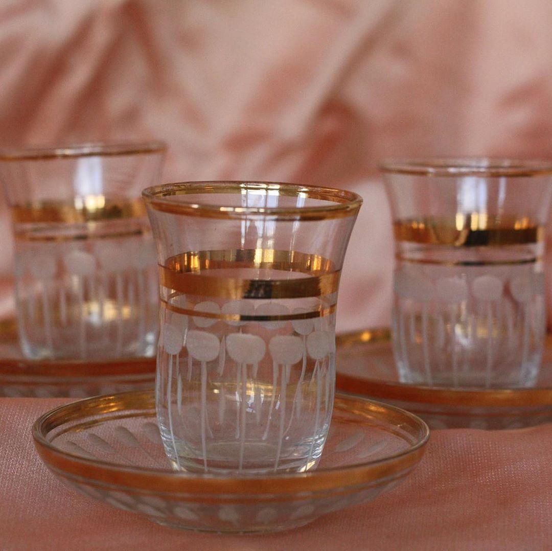 TE KOOP: Glaasjes uit Turkije 🇹🇷 Hier wil je toch een theetje uit drinken?! Trio voor €9,50✨ • • • #madeinturkey #turks #glas #theeglas #tea #teatime #goldvintage #goudenrandje #goud #goudvintage #vintage #kringloopvondst #010 #thrifted #thriftshop #kringloopschat #shop #buyvintage #glaswerk #shopvintage #gold #shinyvintage #tekoop #rotterdam #homedeco #monday #goldinterior #instakoopjeshoek #instakoopje #instakraam