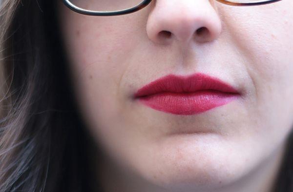 Anouk porte le rouge à lèvres crème Le Marc de Marc Jacobs Beauty, dans la teinte «Oh Miley ! » (29,50€, en exclusivité chez @sephora ). #lips #lisptick #red