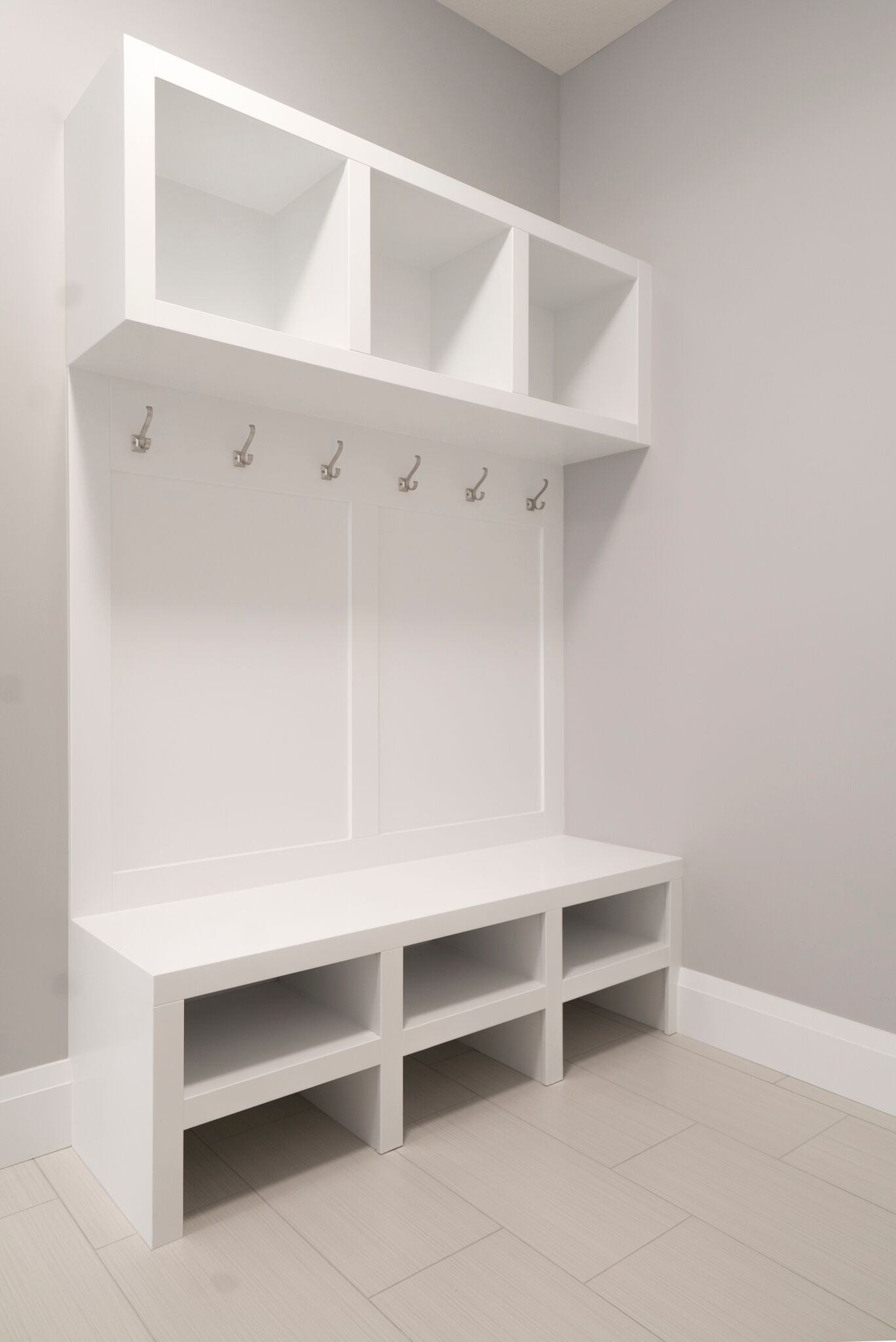 Lockers for the mudroom entrance help to keep busy lives organized ...