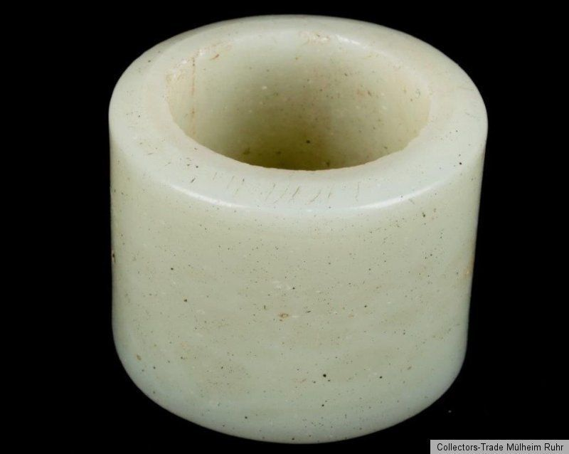 China 18./19. Jh. A Chinese Carved White Jade Archers Ring -Giada Cinese Chinois