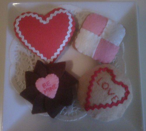 Felt Food-Sam McLean. Valentine Biscuits /Cookies by Sam McLean Designs, via Flickr