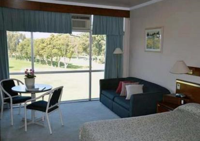 Comfort Inn West Ryde boasts 41 spacious guest rooms that
