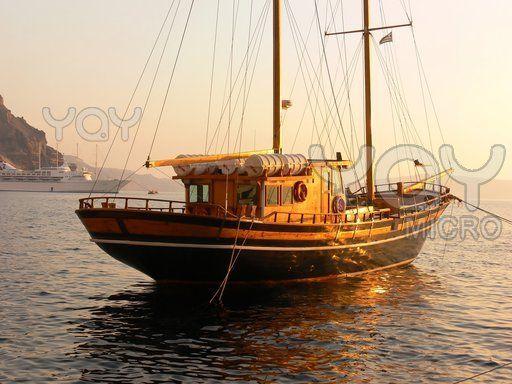 Old Wooden Sailboat Agua Wooden Sailboat Boat Wooden Boats