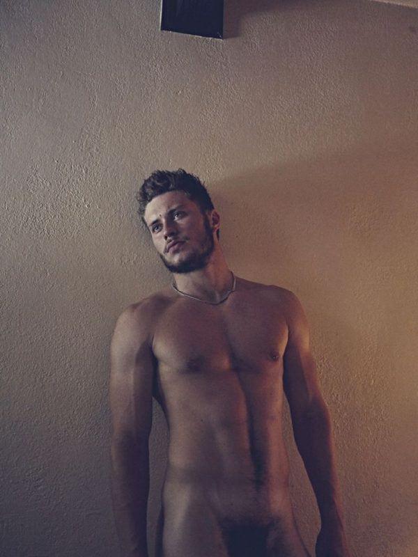 hrtwhwhwrth - Marcus: Motel Series. Brian Kaminski desnudo -  famosos-desnudos, actualidad