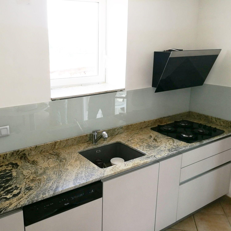 quelle credence pour plaque gaz fond de hotte verre gris mat dlice h cm x l cm with quelle. Black Bedroom Furniture Sets. Home Design Ideas