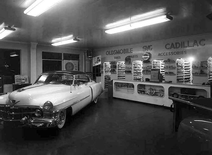 Vintage shots from days gone by! Auto repair, Car, Car