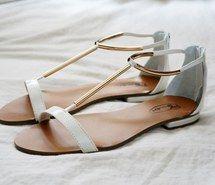 sandalias para el verano en tendencia blanco