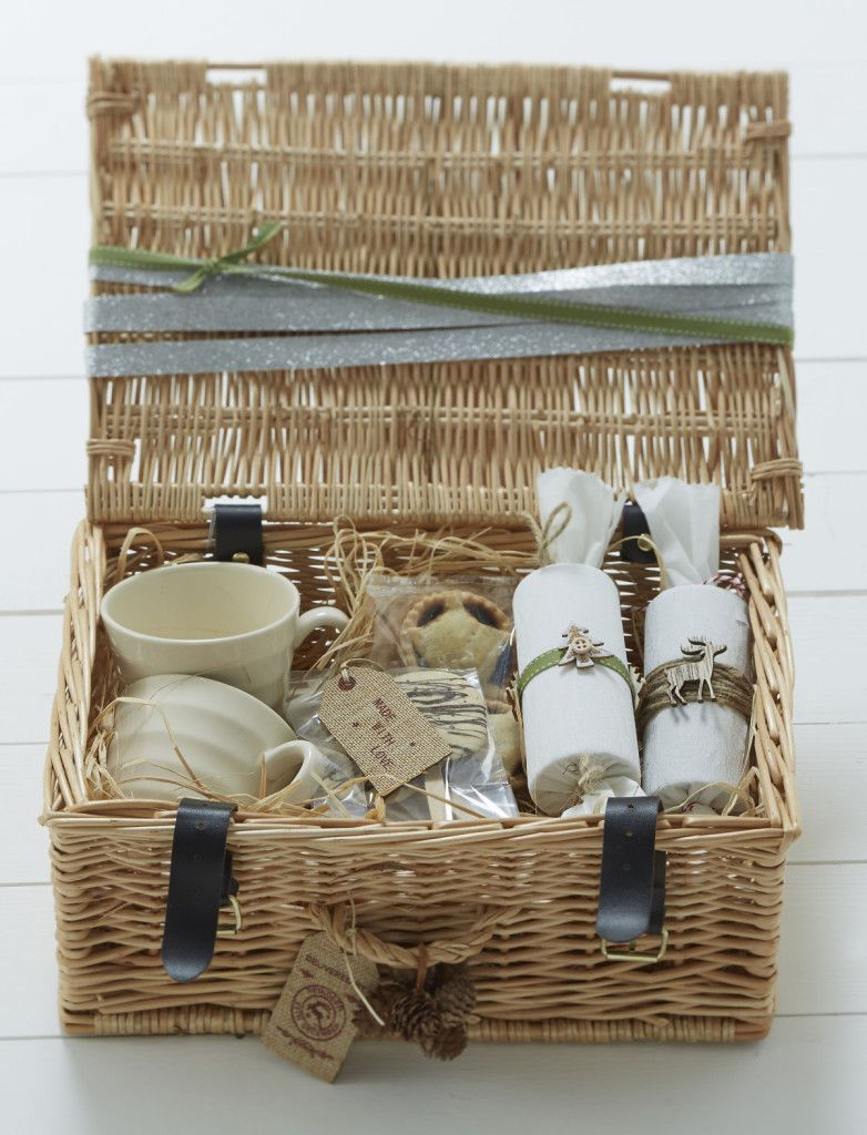15 Ways to Style your Christmas Hamper Diy christmas