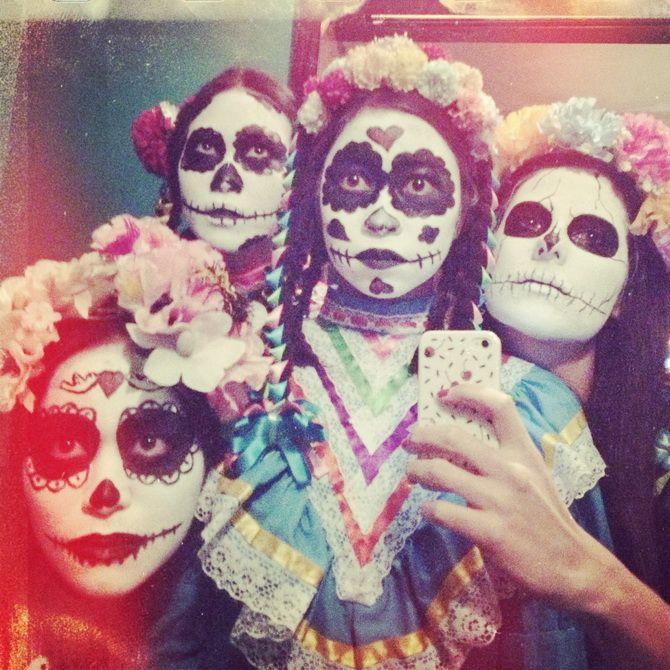 pinata market 33 id es f tes pinterest deguisement fete des morts mexique et carnaval. Black Bedroom Furniture Sets. Home Design Ideas