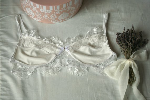 7f75f4f981 Lys calla bralette - white velour and lace bra with clasp closure and  adjustable bra straps
