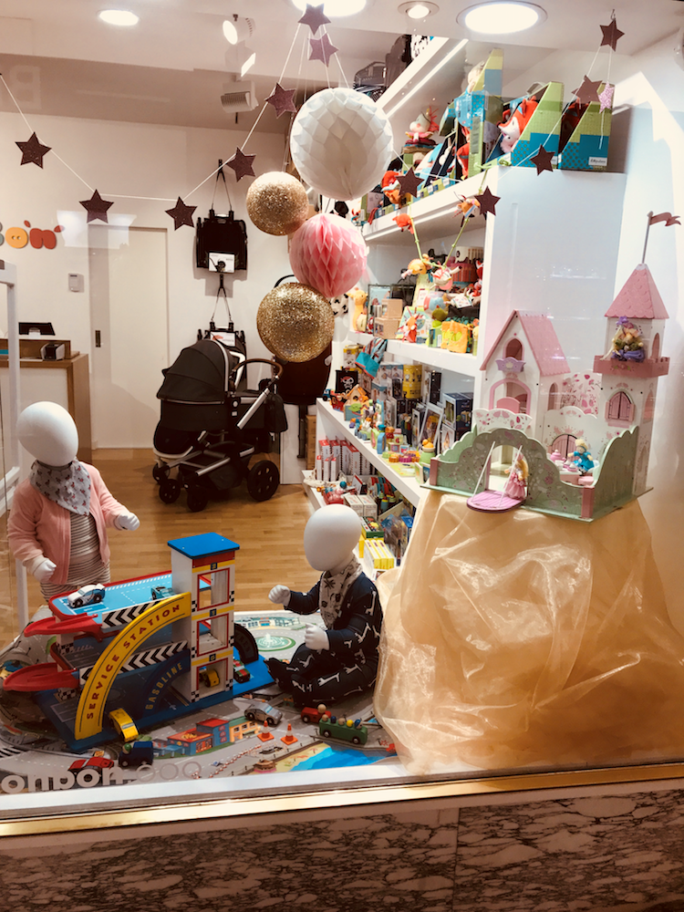 1d8987cb007f Bonbon Baby Store | vitrine | Wooden toy shop, Toys shop, Shop ...