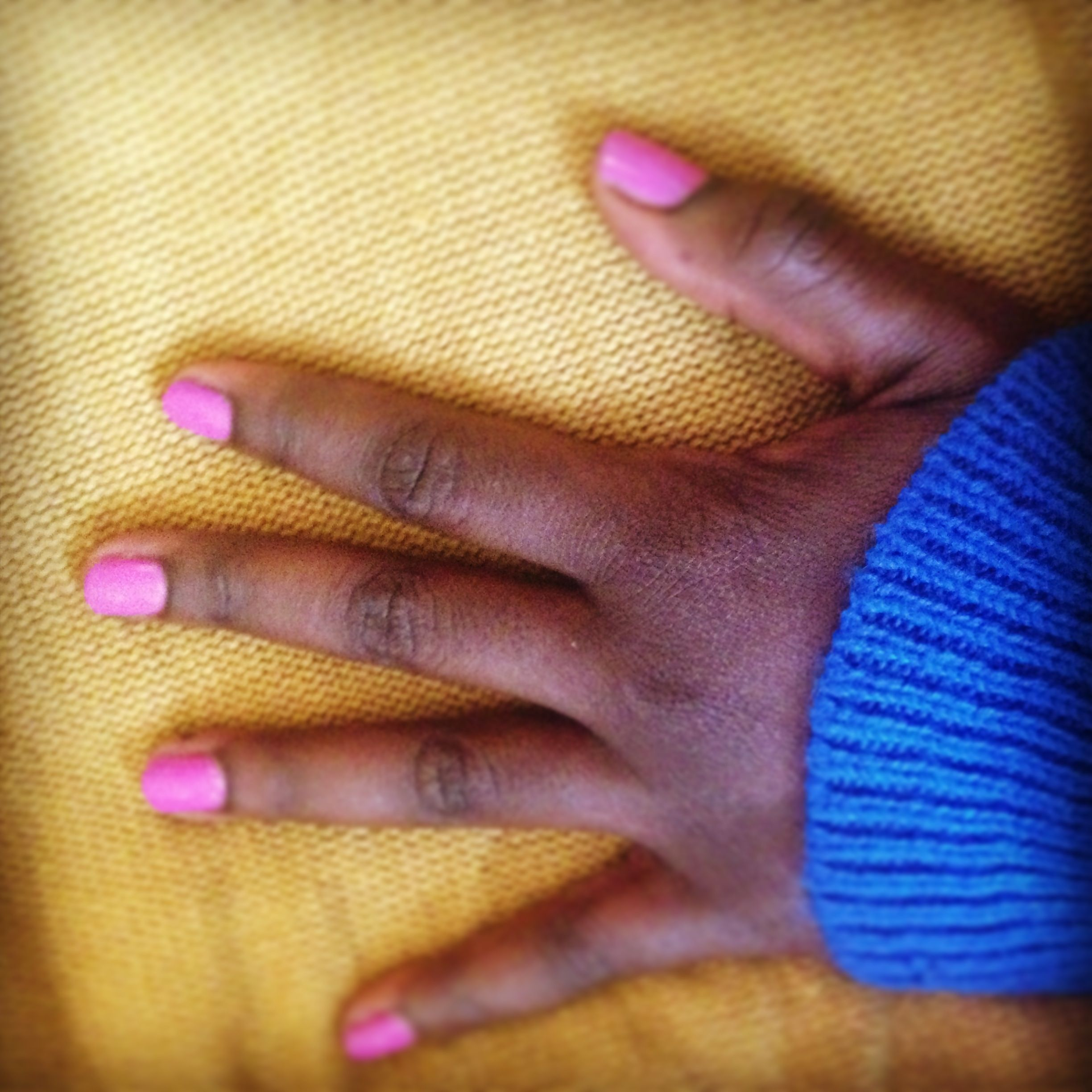 As a dark skinned girl I don't do bright pink, I feel so brave right now || Yes, I love this!