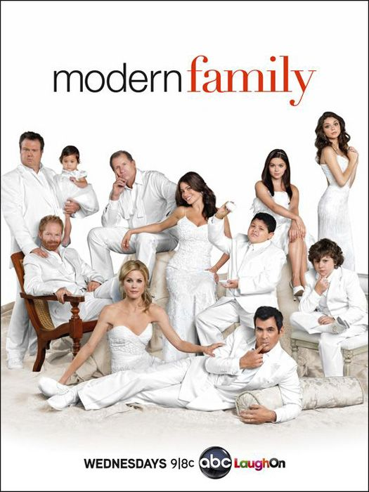 Modern Family The Complete Second Season 2 Dvd 2011 3 Disc Set Funny Shows Modern Family Modern Family Season 2