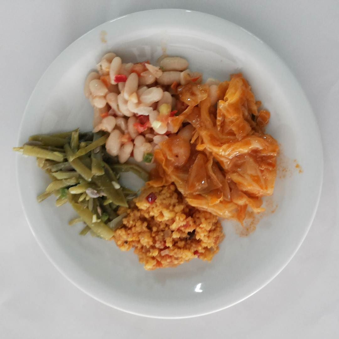 Feijao branco com pimentinha vagem repolho ao sugo e salada de canjiquinha :-) #emagrecimento #reeducacaoalimentar #dieta #dietasaudavel #alimentacaosaudavel #emagrecer