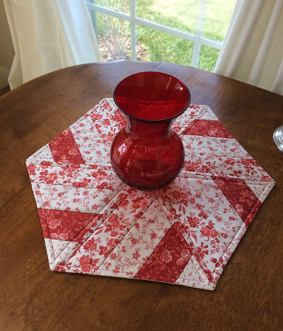 Red Soft White Floral Quilted Hexagon Table Runner 17 5 Candle Mat Table Topper Reversible Quilted Table Runners Patterns Valentine Table Runner Table Topper Patterns