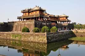 Resultado de imagen para palacio imperial vietnam