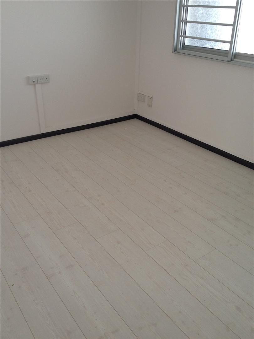 Pergo Whitewashed Pine Floorrich Laminate Flooring