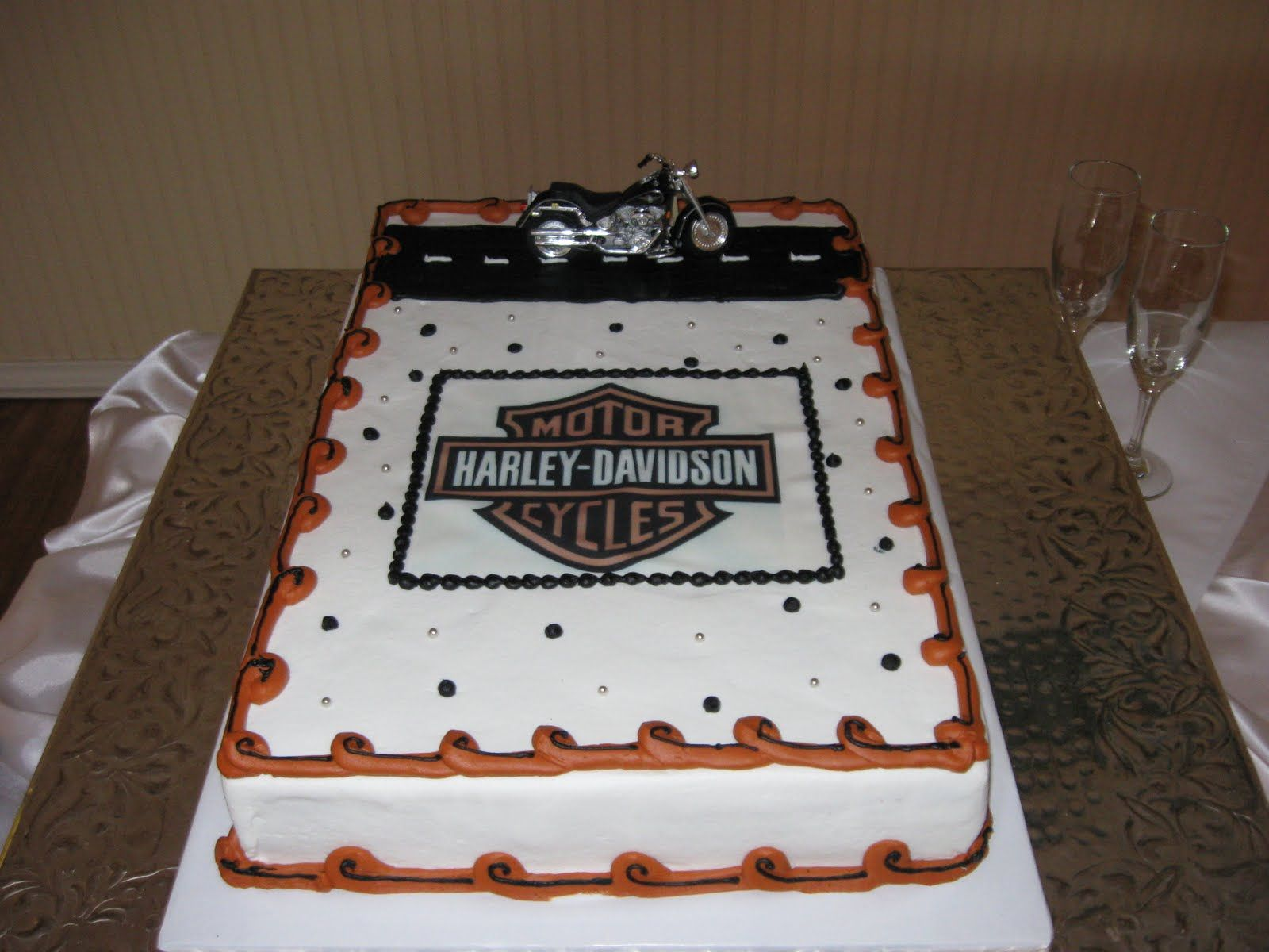 Harley-Davidson Wedding Ideas | Harley-Davidson Groom\'s Cake and ...