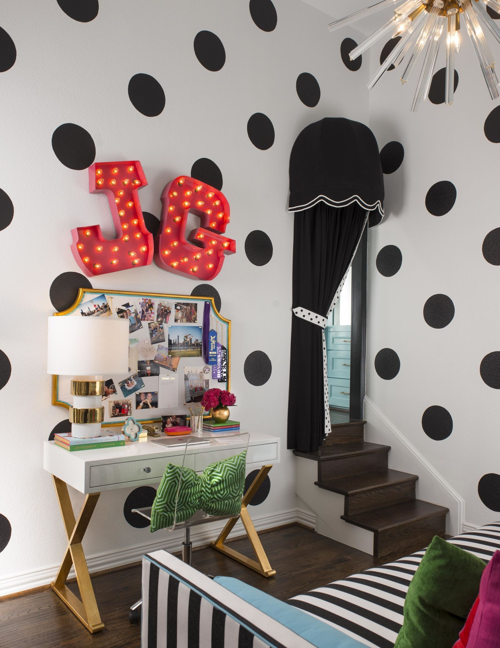 This Pre Teen Bedroom (And Bath) Would Make Kate Spade Proud